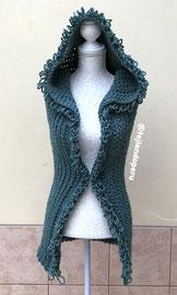 Chaleco con capucha de una pieza tejido a crochet