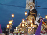 Mariadarstellung auf einer Prozession zu Ostern in Puerto de la Cruz am Abend.