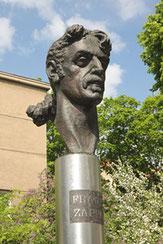 Frank Zappos paminklas viename Vilniaus skverelyje / Frank Zappa's monument in one of Vilnius squares (photo Gintaras Burba)