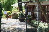 Eingang zu Restaurant und Terrasse des 'Pfeffer&Salz'