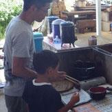 続いて天ぷらの揚げ方もご案内いたします
