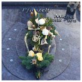 Ornament Hufeisen Urnengrab