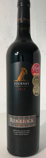 Ridgeback Journey – 2014  Der Ridgeback Journey ist ein eleganter Wein, der in der Nase und am Gaumen ein großes Spektrum an dunklen Früchten bietet. Leichte Anklänge an Mint und Leder. Dieser Wein ist perfekt ausbalanciert und hat seidige Tannine und ein