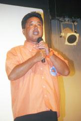 石垣市で県知事選に向け決意表明する下地氏(26日夜)