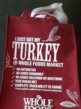 七面鳥を買ったら入れてくれる大きなお世話な袋(「今、七面鳥買いました!」って書いてある)