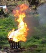Brandschutz und Verhalten im Brandfall werden ganz praktisch eingeübt
