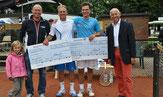 Turnierleitung mit Sieger Jakunin und Finalist Hagel