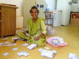 Padma prête à ensacher