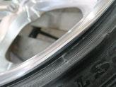 レクサスLSのアルミホイールのガリキズ・すり傷のリペア(修理・修復)前のホイールBの写真6