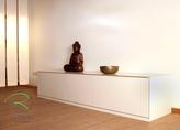 modernes Sideboard für TV- und Hifi-Board in creme weiß matt auf Gehrung
