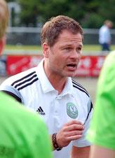 Trainer Michael Ackermann eilt mit der U17 von Sieg zu Sieg