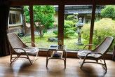 ゲストヴィラ逢桜さんのお部屋から見える中庭は心が落ち着き癒されます。