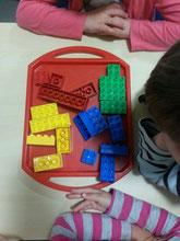 2. ...Legosteine zurecht legen
