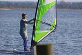 Spaß am Meer in deiner Kiteschule Ostsee am Salzhaff in Rerik. Jetzt Kiten lernen in deinem Kitekurs bei Oceanblue Watersports an der Ostsee. Buche deinen Windsurfkurs in deiner Surfschule Rerik und Surfschule Kühlungsborn an der Ostsee