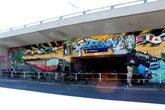 Bemalte Front S-Bahnhof Friedenau beim Malerviertel. Foto: Helga Karl