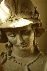 Minerva in Pearls, sculpture by Sarah Myers, detail