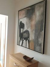 """Eva Hradil, """"schwarzer Sessel und spiegelrand"""", 2003, Eitempera auf Leinwand, 90 x 80 cm"""