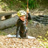 山之上町の美濃加茂健康の森のツリートップアドベンチャーは天然の樹木を使った遊具です。