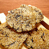 玄米とひじきの簡単煎餅