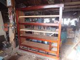 天板、棚板を打ち終え棚板を作成しました。