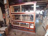 水屋戸棚の戸枠を設置したい付けをチェックし柿渋を塗りました。