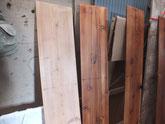 水屋戸棚、帳場箪笥の棚板、側板、天板にオイル塗装をしました。