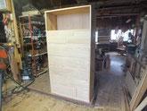 時代箪笥の引出前板に引出本体を付け仕込み白木地が完成です。
