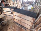 木地調整が終わり下塗りをしました。中塗り、仕上げ塗へと進めます。