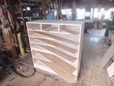 制作する桐たんすの引き出し向こう板に領します。