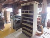 本巣市より修理依頼の桐たんすのヤシャ仕上げをして乾燥させています。