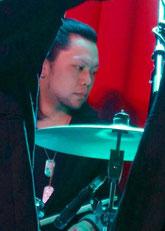 ドラム科講師 熊井勇介先生