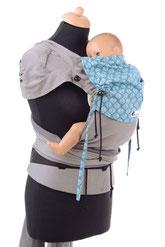 Huckepack Wrap Tai, Babytrage, mitwachsednes Panel, gefertigt aus Tragetuchstoff, auffächerbare Träger, fester Hüftgurt mit Schnalle.