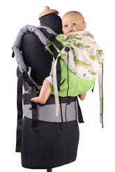 Huckepack Full Buckle, Komfortbabytrage aus Targetuchstoff, mit gepolsterten Trägern und Hüftgurt, stufenlos mitwachsendes Panel.