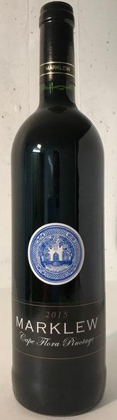 Cape Flora Pinotage 2015  14,5% Alc. Der Family Reserve wurde in französischen 300l Fässern fermentiert und gereift. Hier erhält er sein typisches erdiges Bouquet. Nuancen von Mokka gehen einher mit ausgeprägten Aromen von roten Früchten und Pflaumen am G