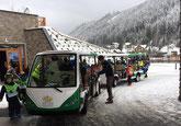 Dachsteinkönig, Bummelzug Gosau  Hotel elektro bus
