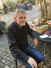 """Jürg Schaub, Ladenbesitzer """"Cabinet zem Pierrot"""""""