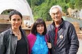 Die aktuelle Nscho-tschi Alejandra Cardona, die frühere Marie Versini und Regisseur Giso Weissbach. | Foto: Romano Cuonz