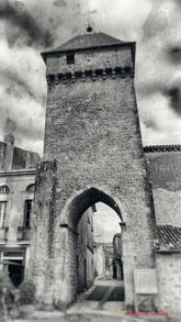 Porte de l'Horloge, place du Général de Gaulle, Saint-Macaire