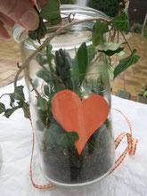 Einmachglas mit Hyazinthe bepflanzt