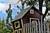 ein Baumhaus gebaut