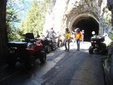 Tunnel und Bergstrasse auf Quad Tour im Berner Oberland