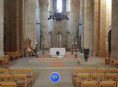Mittelschiff vorm Altar