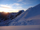 Soleil levant sur le glacier