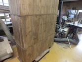 裏板、側板の割れに埋め木修理しました。汚れ落としはここまでです。
