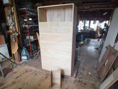 新しく作った前板を仕込み、古い前板を外す作業をしました。