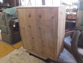 裏板を足し打ち直して全体の塗膜を取り木地にしました。