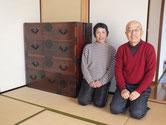 武豊町より修理依頼の時代箪笥を納品してきました。大変気に入って頂き帰りには、お見上まで頂きました。