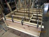 胴縁、棚板を削り接地面を作り新しい板手を貼りました。