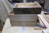 引出や戸引など鉋をかけれる所はかけ木地を出し修理していきます。