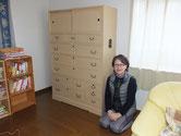 山県市より修理依頼の桐たんすの修理、洗濯をし納品設置写真です。